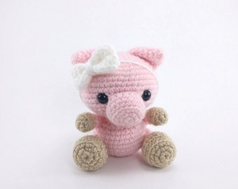 PATTERN: Pearl the Pig - Crochet pig pattern - amigurumi pig pattern - crocheted piglet pattern - PDF crochet pattern