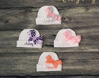 Monogrammed Newborn Girl Hat, Personalize Infant Girl Beanie, Hospital Baby Girl Hat Bow, Personalise Girl Beanie, Custom Baby Shower Gift