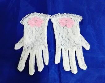 White flower girl gloves, Little girls gloves, First Communion gloves, Easter gloves, Party gloves, Church gloves, Junior bridesmaid gloves