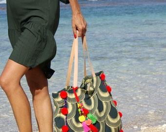 Pompom beach bag/Tassels tote bags/Bohemian beach bags/Yoga Pompom bags/Diapers bag * RITA POMPOM BAG