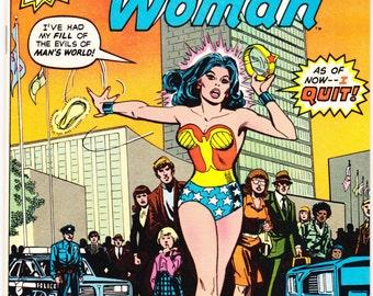 Wonder Woman 269, comic book. Female Superhero. Amazon, Tiara, Lasso, Bronze Age, Vintage Paradise Island. 1980 DC Comics in NM+ (9.6)