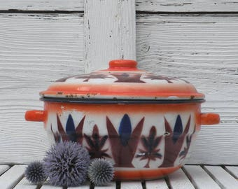 French vintage enamel casserole dish, shabby chic, country home, vintage kitchen, French vintage enamelware, cottage chic, colorful