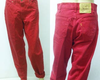 90's RED LEVIS 560  29x32..