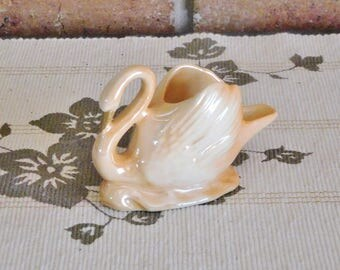 Wembley Ware Made in Australia 1950s peach lustre swan ashtray, toothpick holder, collectable, tobbaciana
