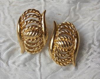 Vintage Gold Tone Trifari Pierced Earrings