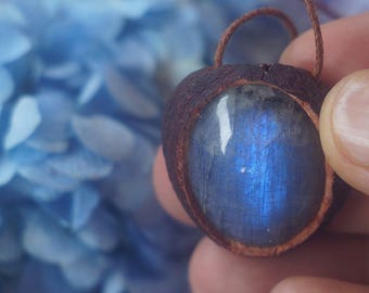Avocado stone pendant with labradorite