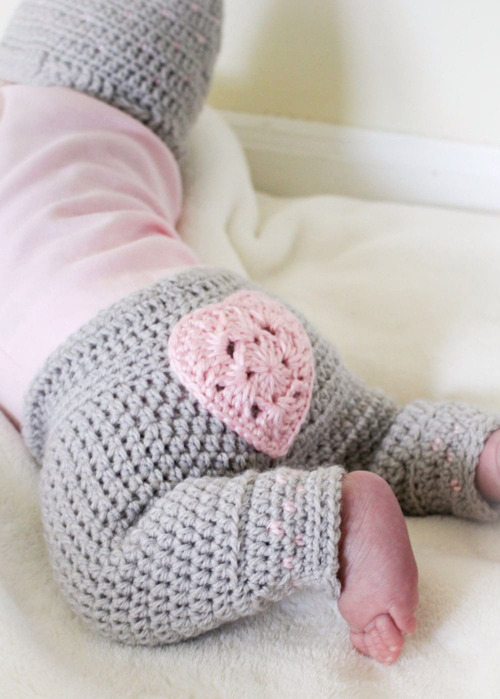f22ba430e296 Valentines day baby outfit - Crochet valentines hat - Newborn girl ...