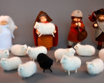 Shepherds with their flock of sheep and angel for the nature table or the nativity scene, handmade out of (fairy) wool felt and wool.