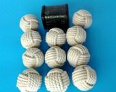 """30monkey poings/petite taille/2 1/4 """"de diamètre et de coton corde/mariage parties/maison décorations/rustique décorations/blanc /"""