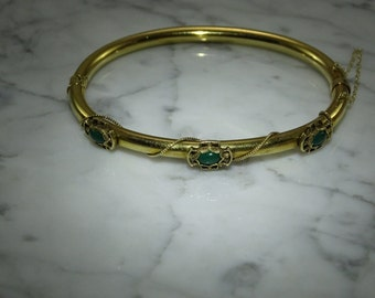 Antique 14K Chrysoprase Yellow Gold Bangle Bracelet