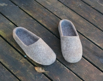 Felted clogs 14 colors Women clogs Organic slippers Women wool clogs Women felt slippers slippers Slippers Not colored wool slippers