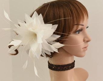Wedding Fascinator, Bridal Hair Comb,Wedding Hair Comb,Feather Flower Comb Fascinator 13A (Ivory)