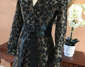 Vintage Via Spiga Leopard Printed Coat Size 2 or Small