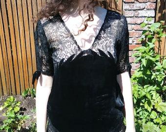 1920s black velvet flame + lace dress // medium