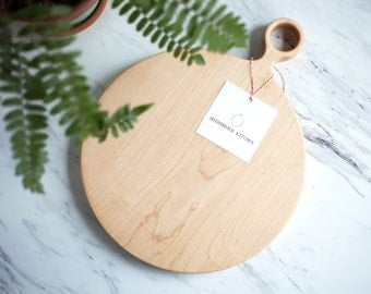 Large Round Maple Wood Cutting Board with Handle, Round Cutting Board, Round Serving Board, Wood Serving Board - FREE CARE KIT