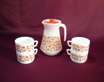 Pichet jug cruche arcopal. Glas pitcher. Etat neuf avec couvercle et 4 tasses. Vintage. France