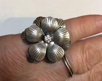 Vintage Silver Flower Ring Size 7 1/2