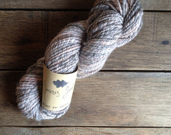 Cute mouse - Skein of organic Merino Wool and Gotland spun and dyed by hand