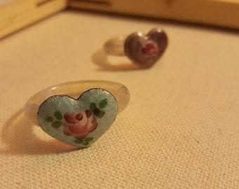 Lo's Rose Heart Thumb Rings