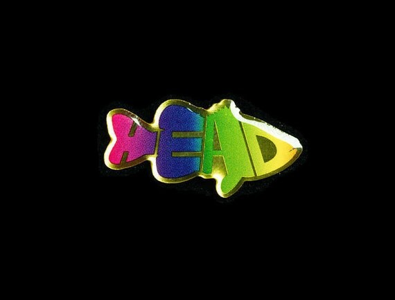Little 'Bass' Head Pin (Gold)