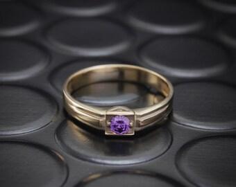 Amethyst signet ring, Men engagement ring, Men amethyst ring, Gold signet ring, Gemstone signet ring, Men stylish gold ring, Gift for men