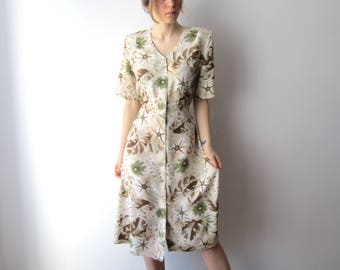 Vintage 90's summer dress. Flowers print short sleeve button up dress. Hipster shirt dress. Medium to Large size patterned dress