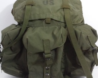 Vintage U.S. 1997 Military Issue Combat Field Pack Medium LC-2 Army Backpack