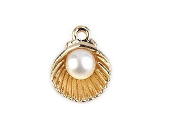Gold Sea Shell with White Pearl Pendant, Sea Shell with Pearl Pendant, Jewelry Making