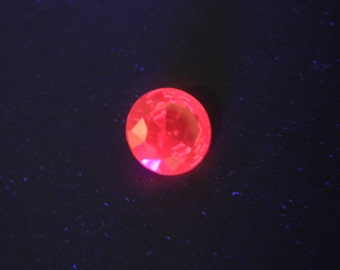 Rare Vintage UV Glow Round Cut Synthetic Ruby Red Gemstone, IF - 3.65 Ct, for Jewelry Making