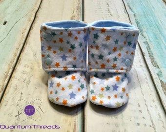 Custom sized Flannel Baby Booties in Blue Stars // Stay On Booties // Soft Sole Baby Shoes // Baby Shoes Handmade // Baby shower gift //