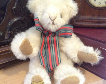 Vintage Limited edition 167 of 500 Kendal Merrythought Traditional bear