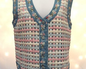 Cute Vintage Floral Denim Vest with Lattice Ribbon Design