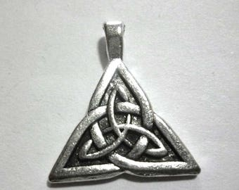 Silver Tone Metal Celtic Triquetra Pendants - Pack of Two - H014
