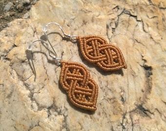 macrame celtic knot earrings in beige