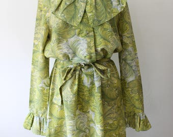 Summer dress spring green with ruching and ruffle vintage 1970's handmade