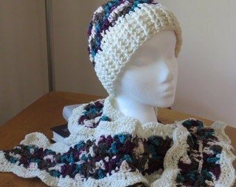 Rippled Hat and Scarf in Antique/Ivory