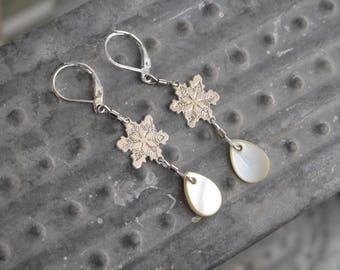 Nacre Bead Earrings, Snowflake Earrings,Silver Earrings,Pearl Earrings,Pearl Earrings,Christmas Jewelry, Christmas Earrings, Winter Earrings