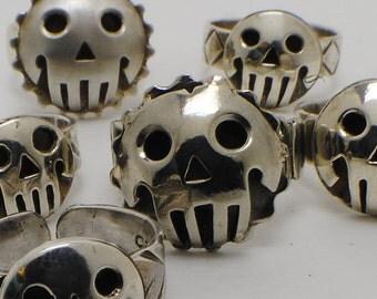 Skull ring in Arg 925