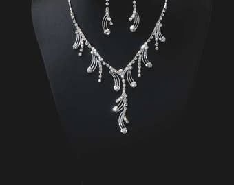 "Set of ""Bride"",Rhinestone Jewelry Set, Crystal Wedding Necklace Set, bridal jewelry set, wedding jewelry set, bridesmaid jewelry set."