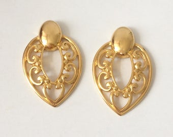 Vintage 1970's Gold Plated Hollywood Glamour Upside Down Teardrop Ornate Swirls Statement Earrings