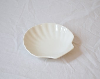 1970's Glass Sea Shell/ Clam Shell Dish, Vintage