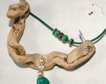 Semicircular natural Driftwood supplemented by Jade Murano glass K26