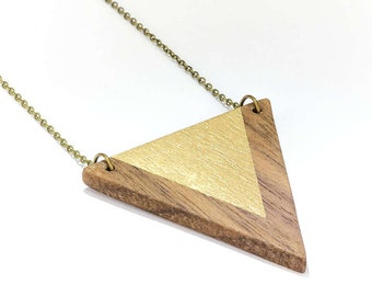 Trailer triangle wood gold