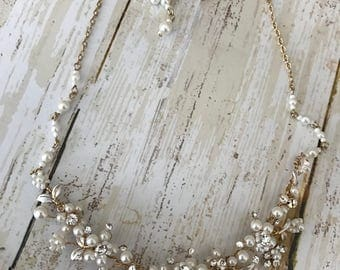 Flower petal pearl and rhinestone necklace set