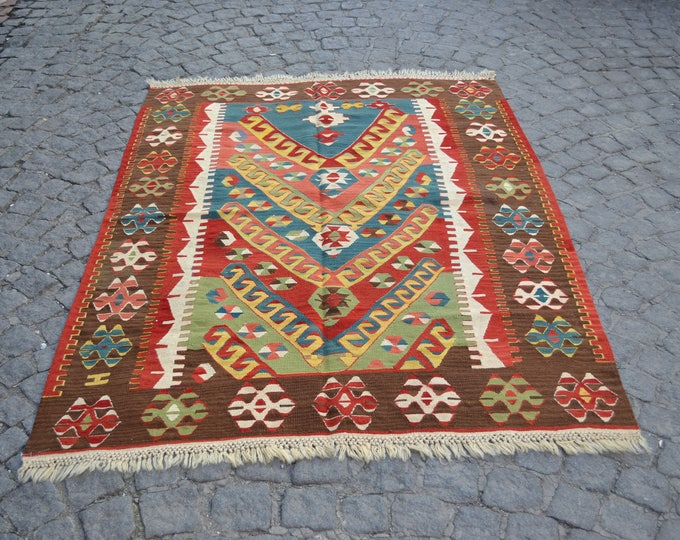 oriantel area rug, 4X6 area rug,pink area rug,rugs online, area rug for sale, affordable area rugs, room size rugs, FREE SHIPPING!