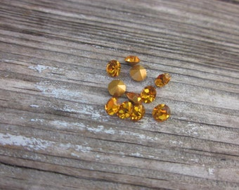 Crystal chatons // Tangerine chatons // gold foil back crystals