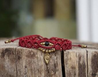 Macrame bracelet in Burgundy