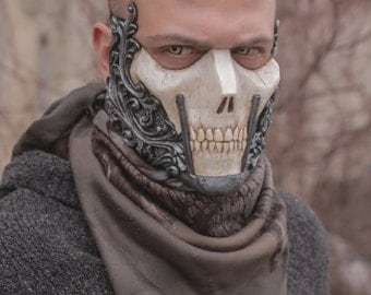 THE RAIDER (Resin Half-Face Skull Mask)