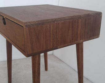 Bedside table Walnut/oak solid 1 c Mind Century