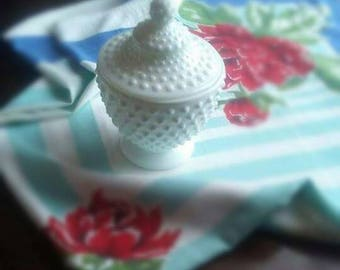 Fenton hobnail white milk glass candy dish with lid excellent condition